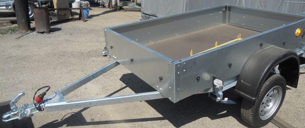 Прицеп Трейлер-82940Т Лайт : вид спереди и сбоку