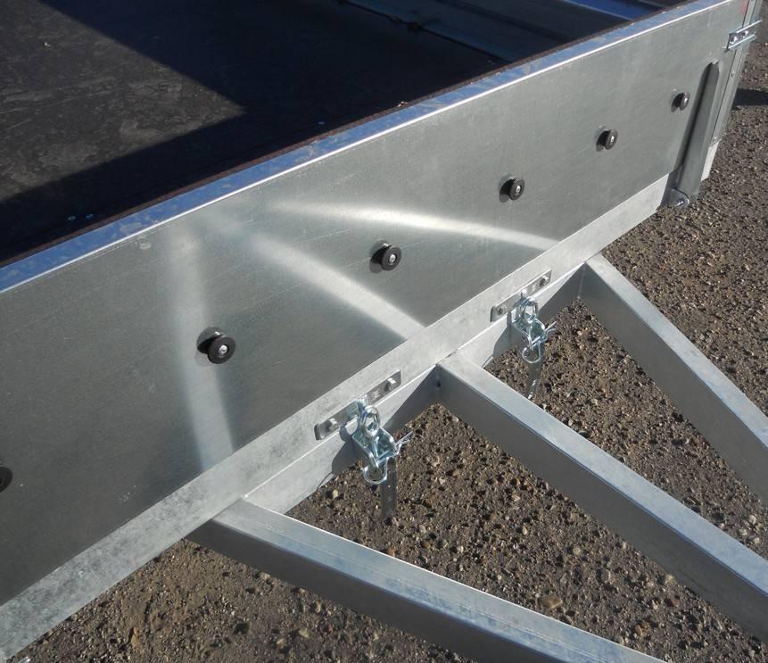 Прицеп Викинг-716104 - кронштейны для опрокидывания кузова (функция самосвал)