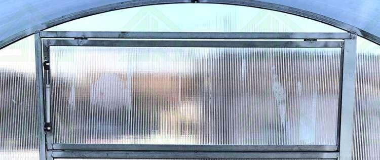 Теплица Казаночка - боковая форточка с автоматическим проветривателем